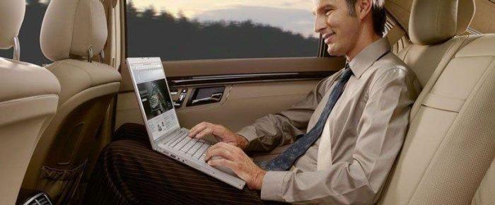 ¿Cómo tener Internet WiFi en el auto?